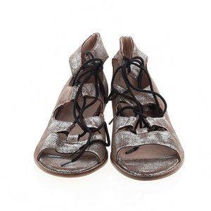 NWOT SEYCHELLES Nubuck Lace Up Sandals Silver 8